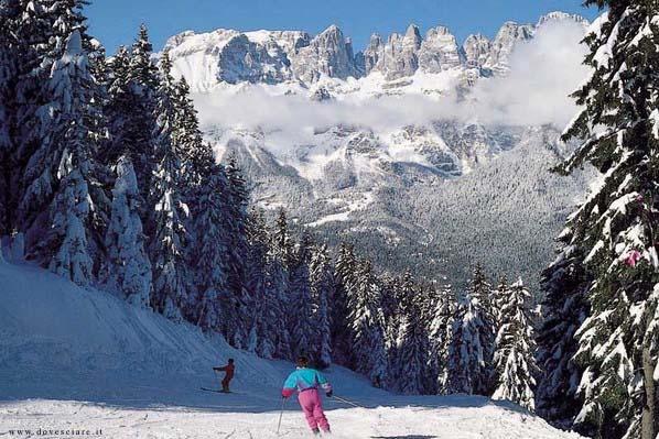 Sciare ad Andalo tra i suoi fitti boschi - Andalo - Visit Italy
