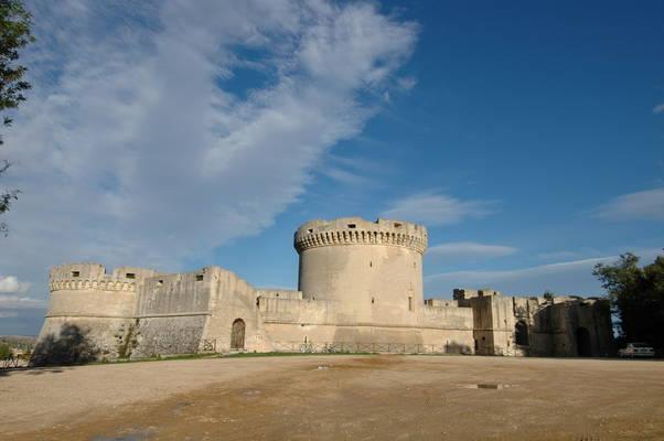 Mura del Castello Tramontano - Matera - Visit Italy