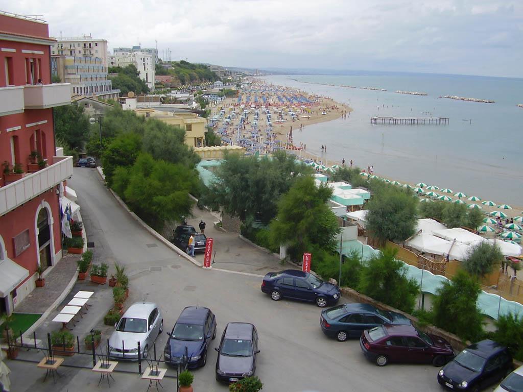 Spiaggia ripresa dalla vista dei fotografi - Termoli - Visit Italy