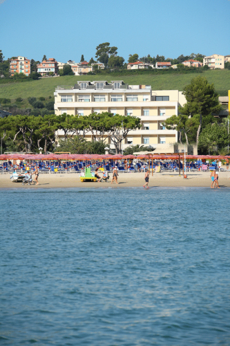 The best hotels of colleranesco visit italy for Lungomare elevato