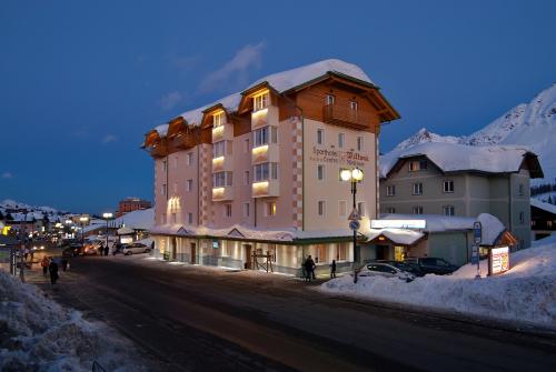 Hotel Via Tonale Milano