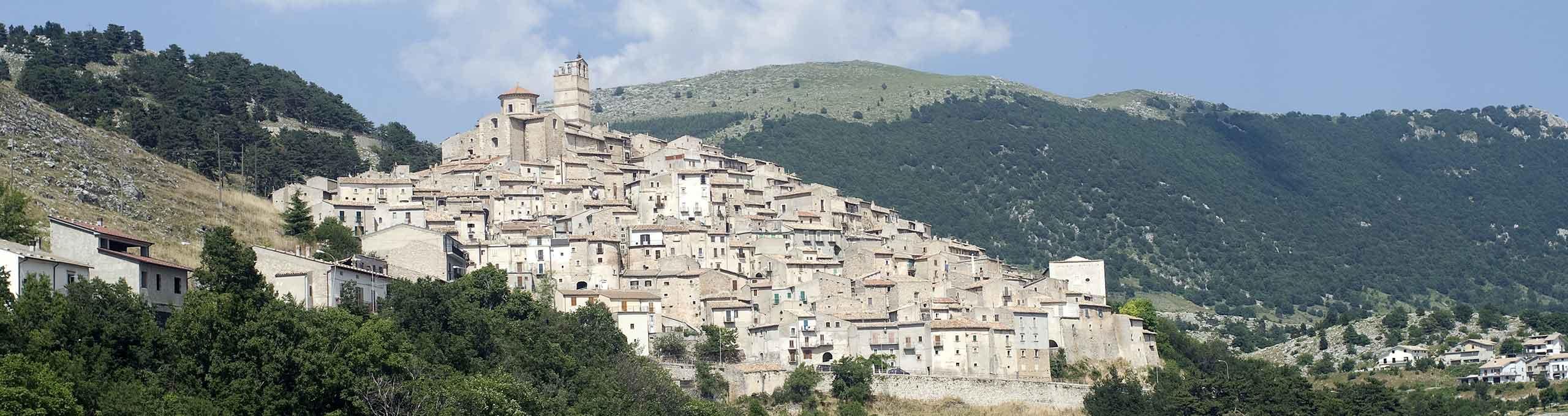 Panorama di Castel Del Monte, Gran Sasso