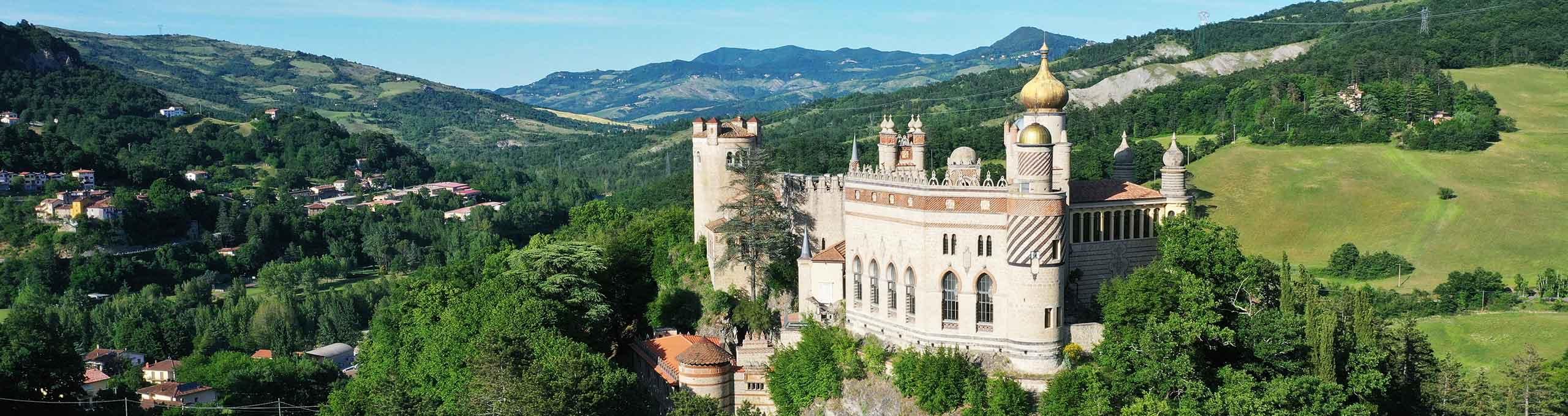 Grizzana Morandi, Appennino Bolognese, Castello Rocchetta Mattei