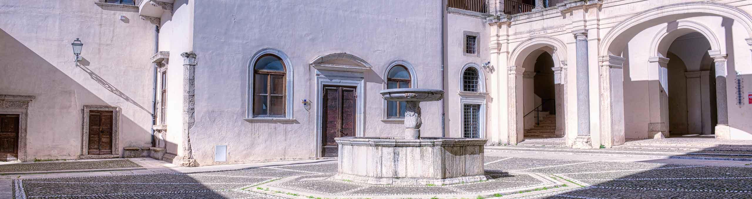 Genazzano, Castelli Romani,  Castello Colonna