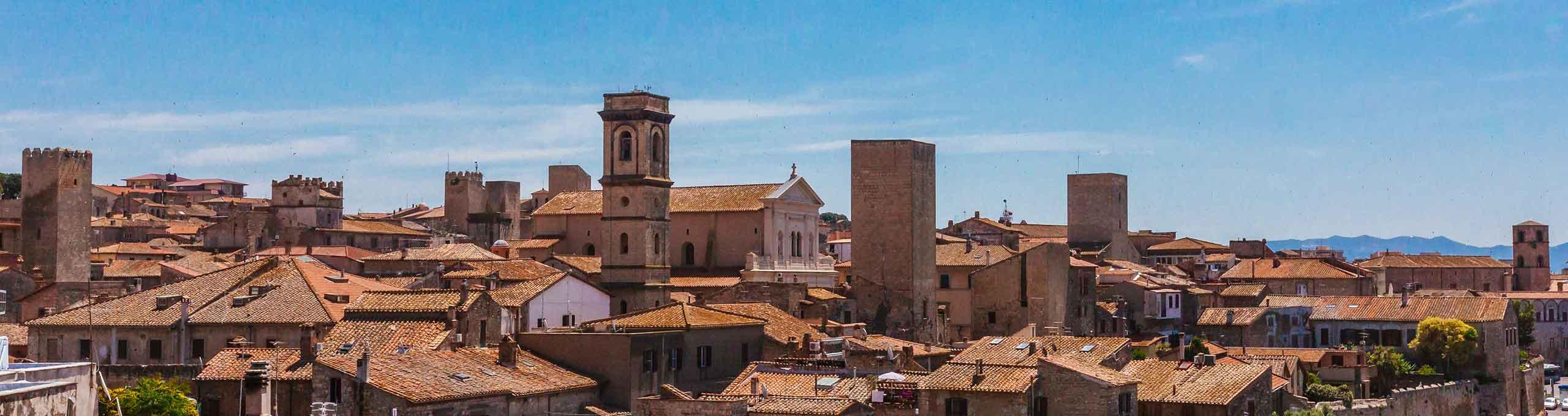 Vista sulla cità di Tarquinia