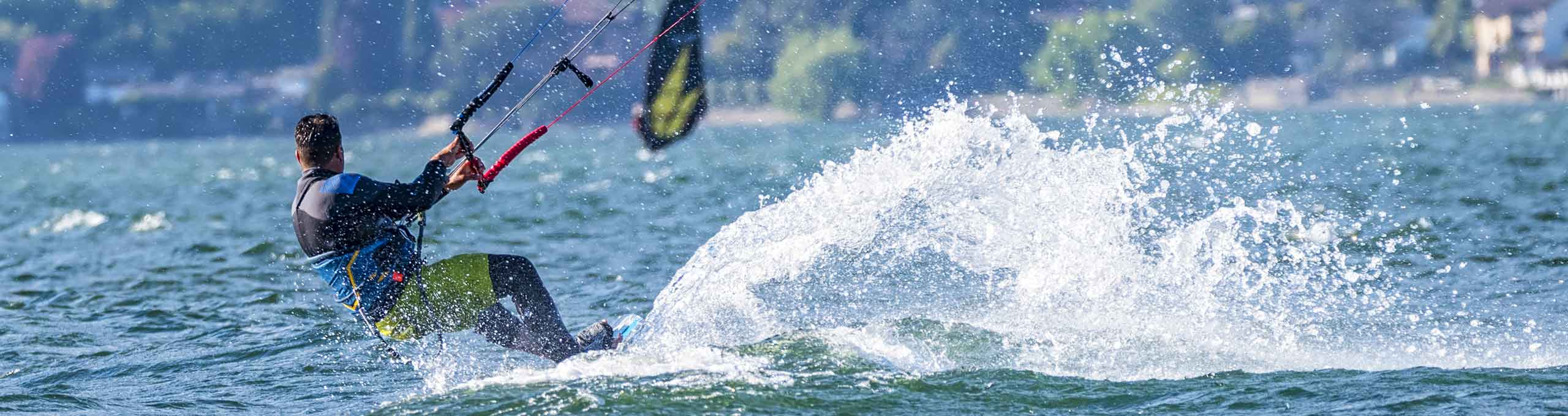 Lago di Como, kitesurfer