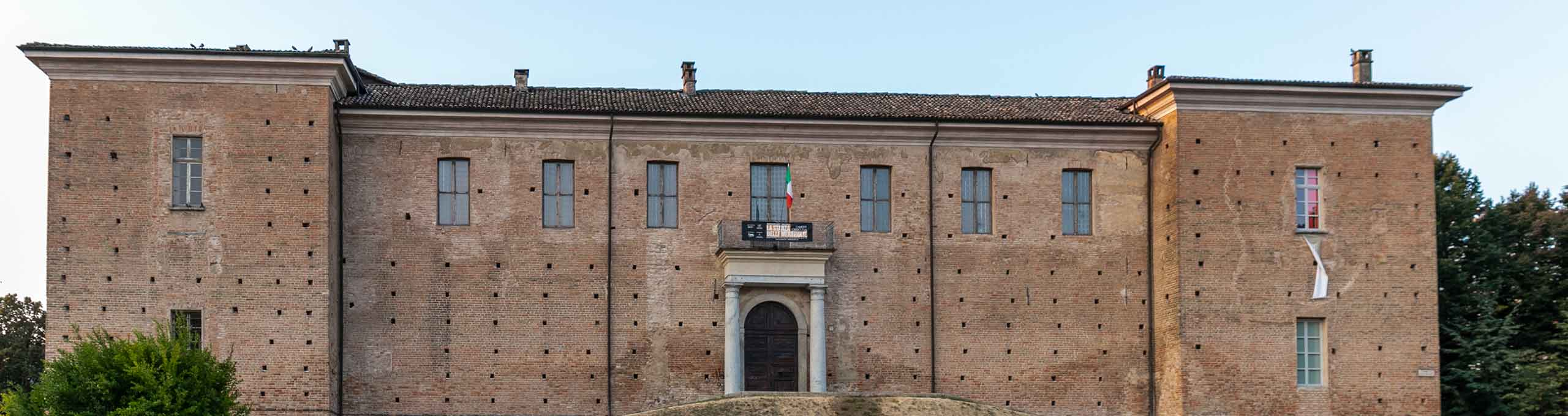 Voghera, Oltrepò Pavese, Castello Visconteo