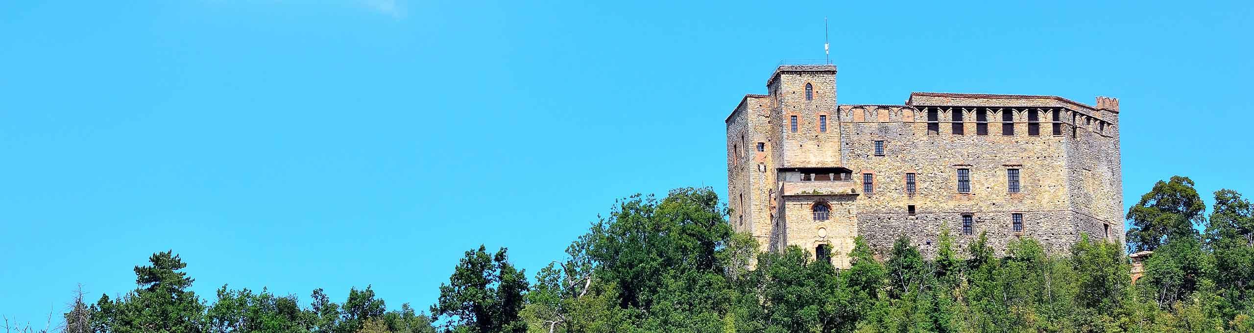 Zavattarello,  Oltrepò Pavese, Castello del Verme
