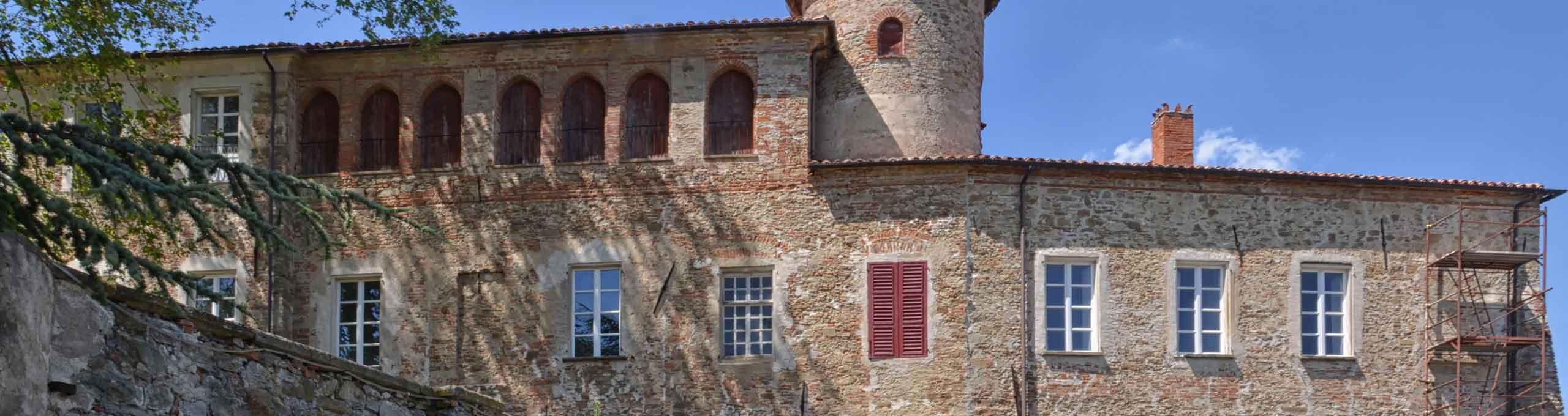 Camerana, zona alta delle Langhe, Castello di Sale San Giovanni