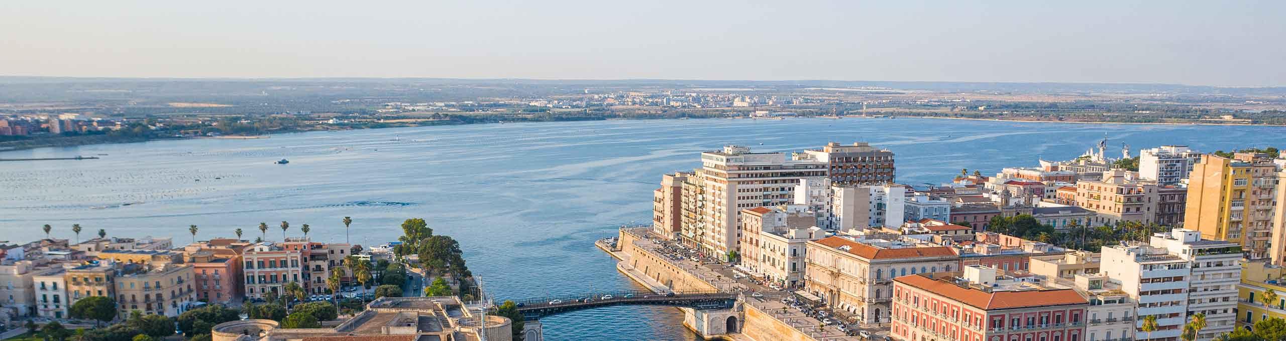 Taranto, vista sul porto