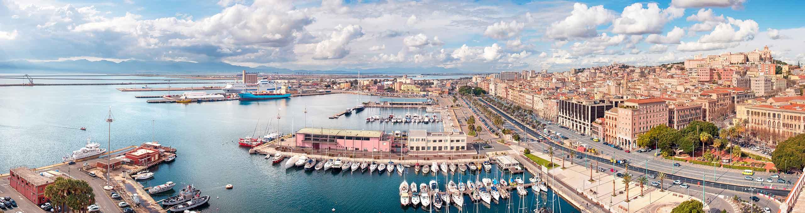 Cagliari, la città vecchia e il porto
