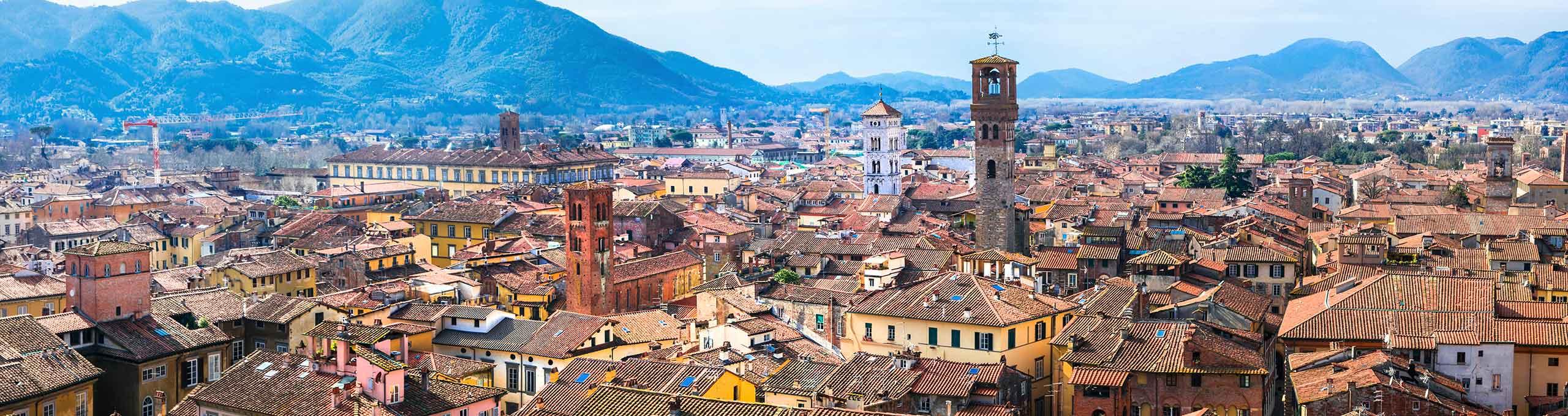 Vista sulla città di Lucca e torre Guinici