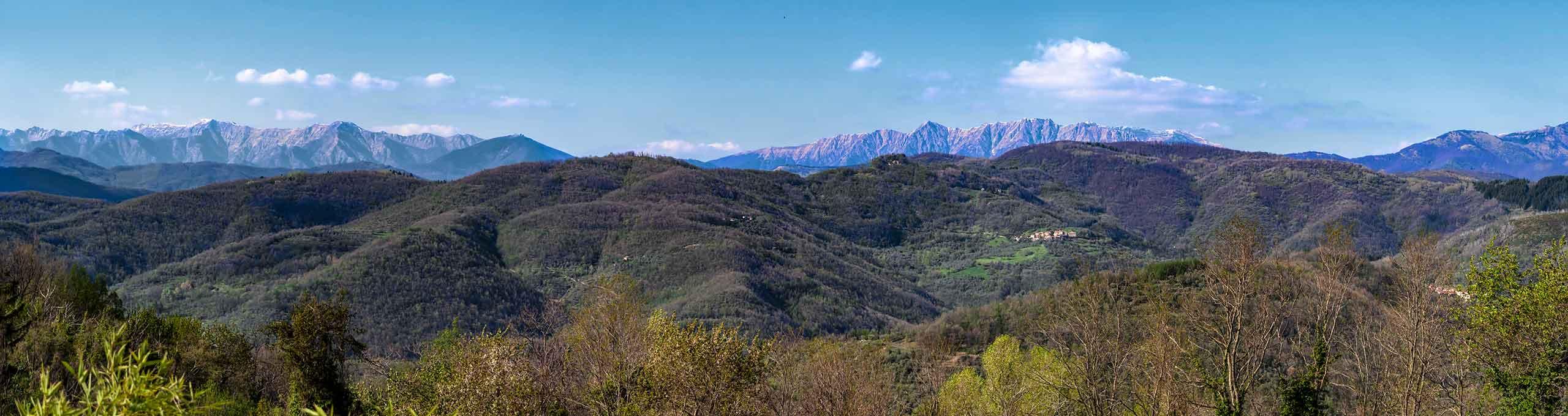 Lunigiana, panorama sulle Alpi Apuane