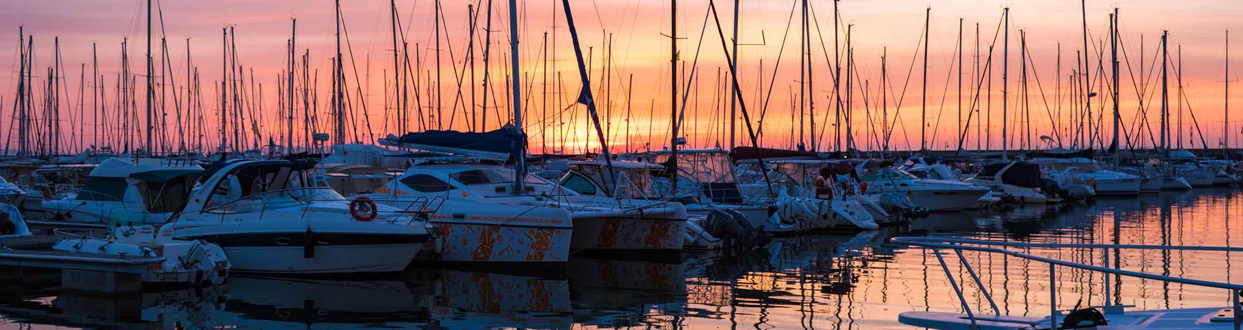 Scarlino porto turistico al tramonto