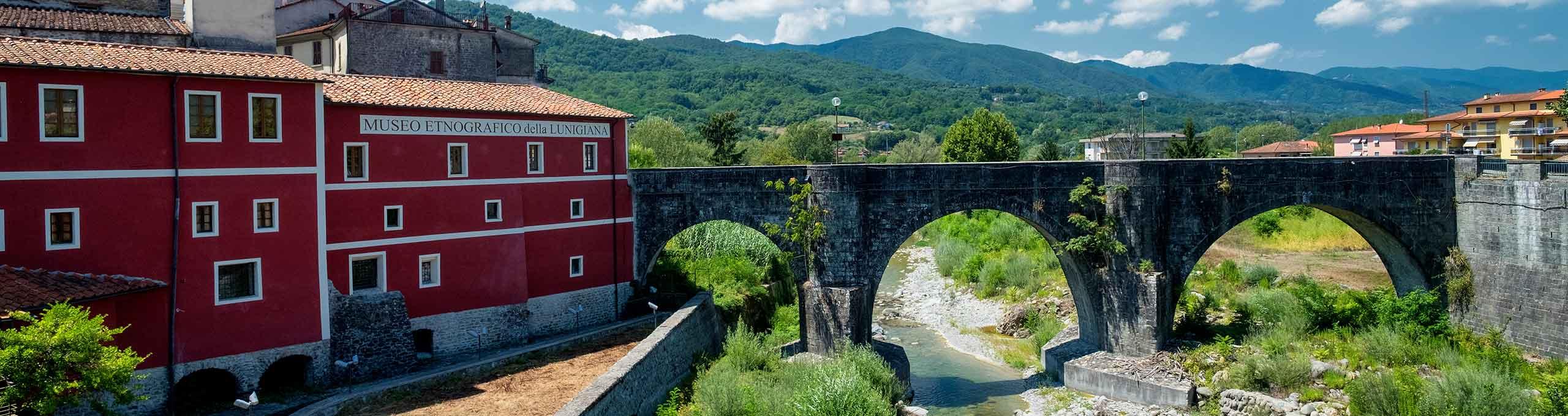 Museo Etnografico e ponte storico in pietra