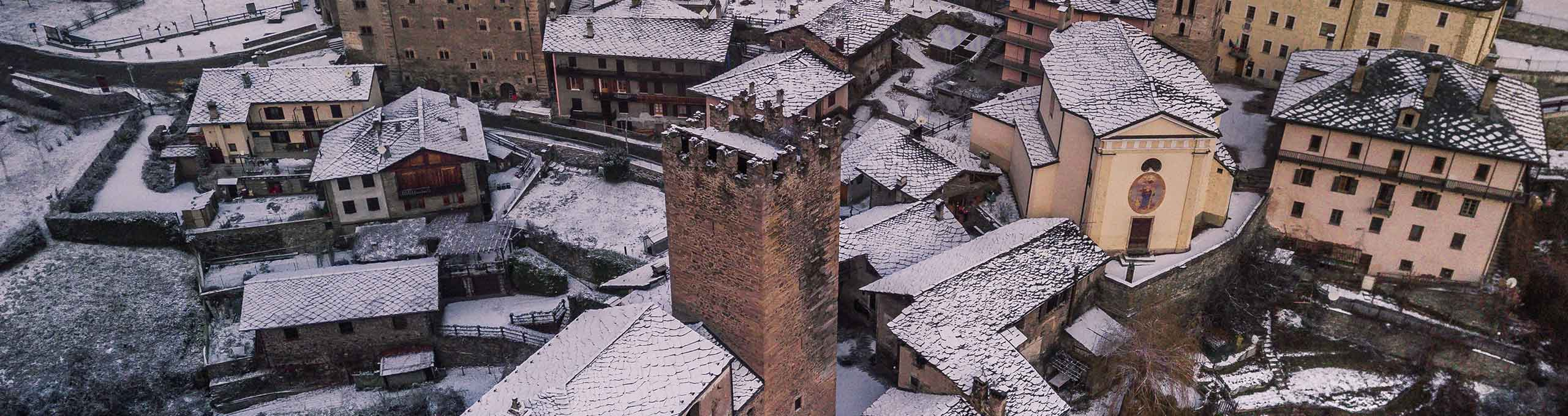 Vista aerea Castello di Arvier in Inverno