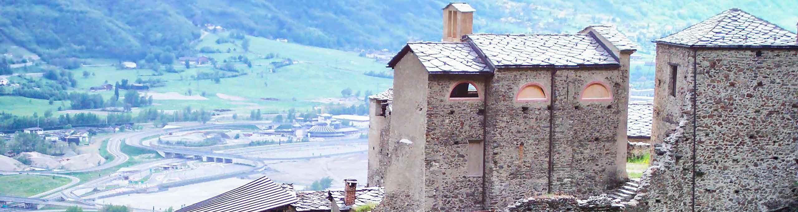 Rocca con castello medievale